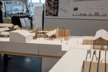 現代の都市計画によって生まれた空き地を都市の庭として再定義した案。(分散配置型) The plan which redefined the vacant land created by modern city planning as a garden of a city. (Distributed arrangement type)